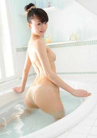 尾崎愛花(おざきあいか)